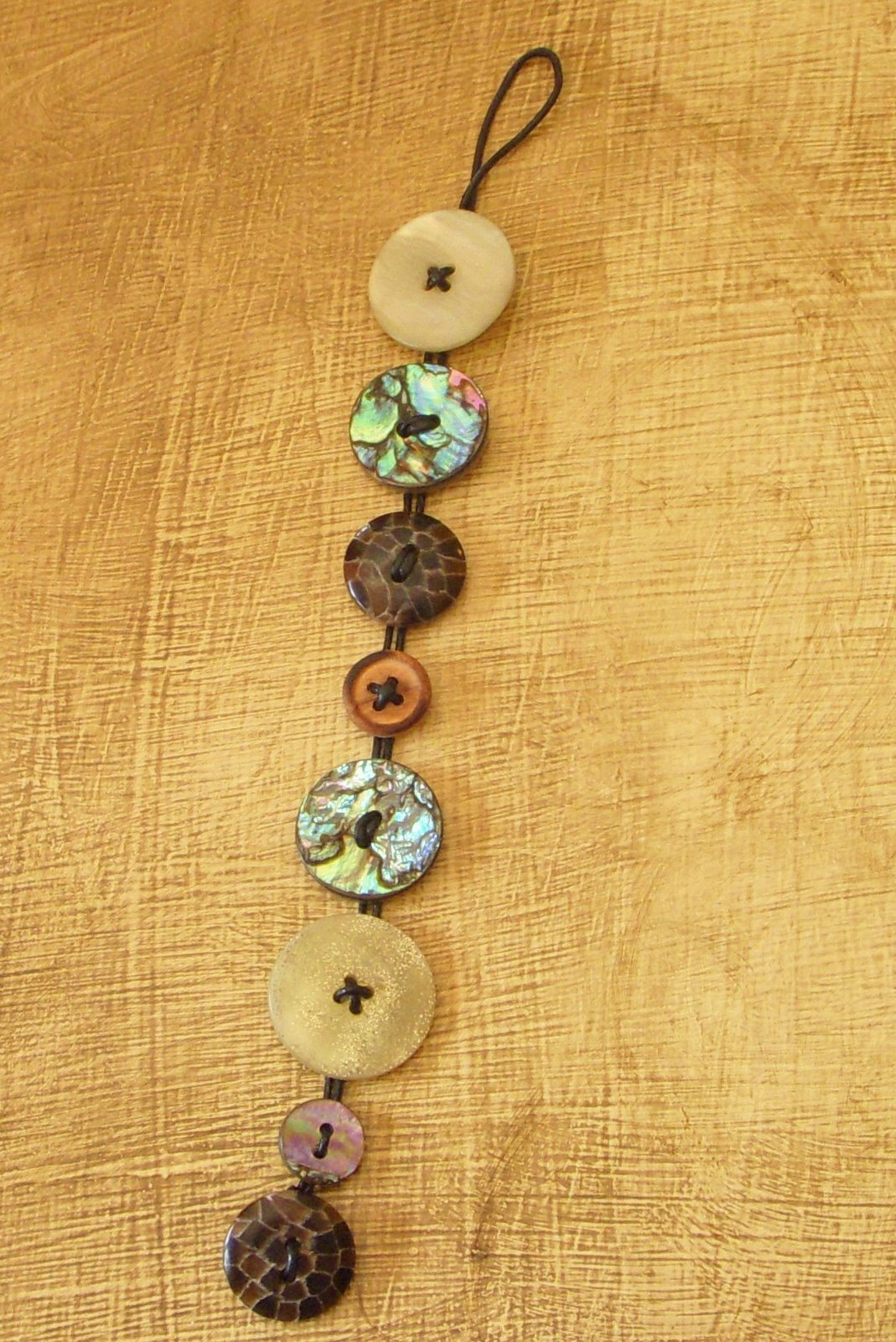 Diy button bracelet healthy n balanced for Things made from waste